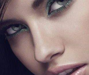Адриана Лима с макияжем от Victoria's Secret Beauty