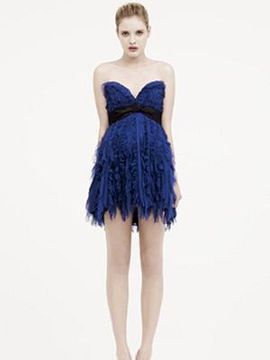 Забавное платье на Деми Ловато