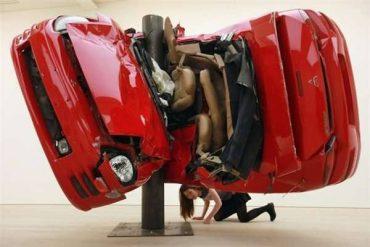 Дирк Скребер и красота автомобильных аварий