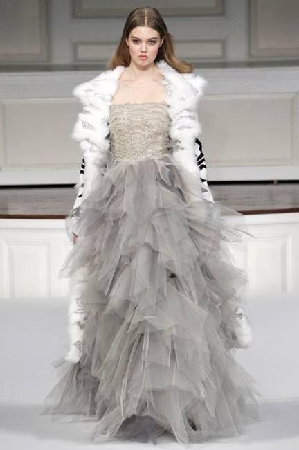 Эмма Уотсон в платье Oscar de la Renta