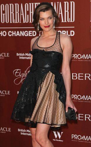 Милла Йовович в сказочном платье