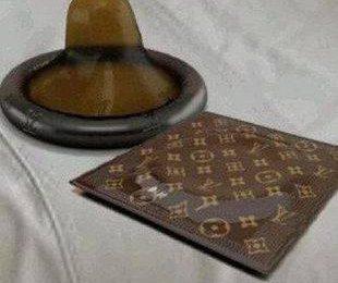 Презервативы от Louis Vuitton
