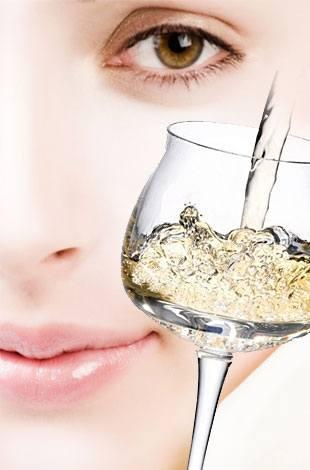 Как употребление алкоголя влияет на лицо