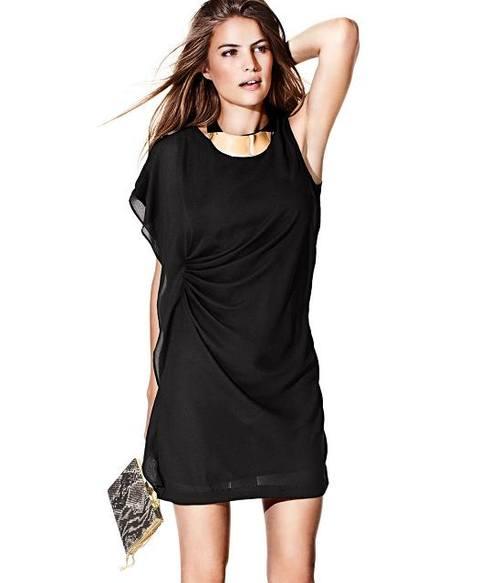 Черное короткое платье от H&M