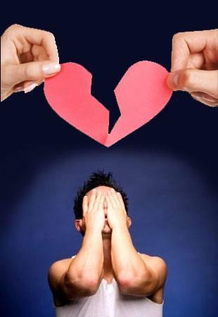 Разбитое сердце, мужчина плачет, разрыв отношений