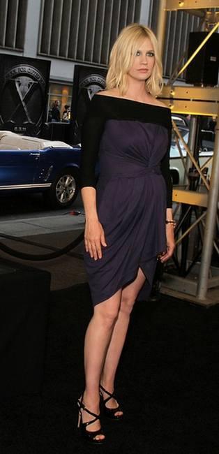 Дженьюэри Джонс в платье Preen