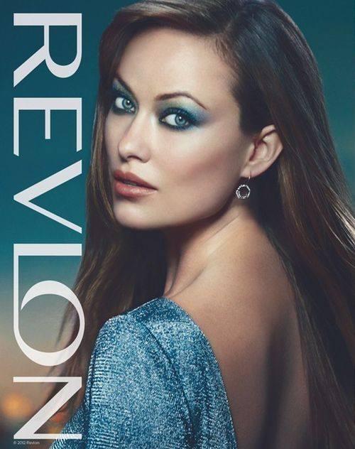 Две звезды для косметики Revlon