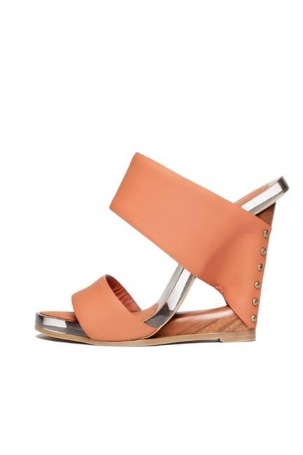 Модная обувь на весну от Donna Karan