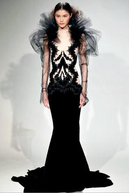 Мадонна в платье от Marchesy