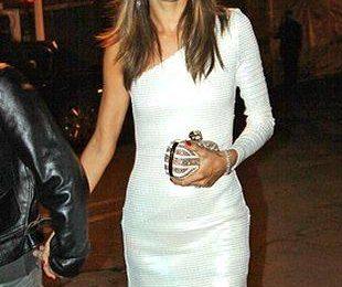 Алессандра Амбросио в маленьком белом платье