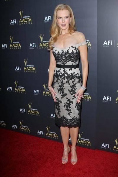 Николь Кидман в платье с акцентом на кружевах