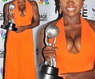 Виола Дэвис и ее сильно деформированная грудь