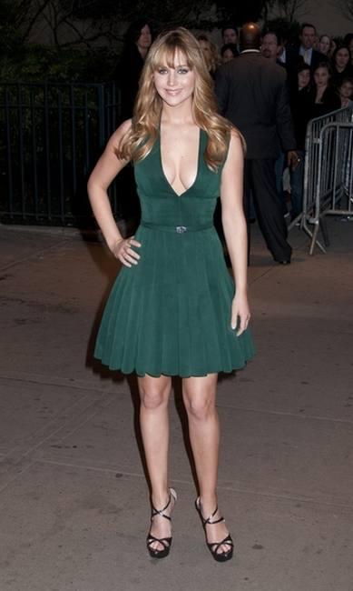 Дженнифер Лоуренс в платье от Calvin Klein