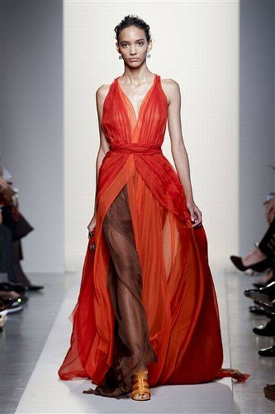 Дженнифер Лопес в наряде от Bottega Veneta
