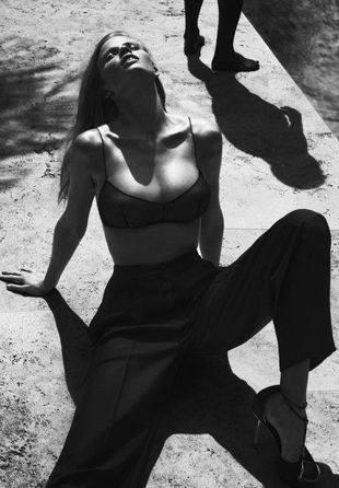Лара Стоун для Calvin Klein