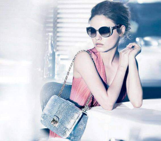 Мила Кунис очередной раз в Dior