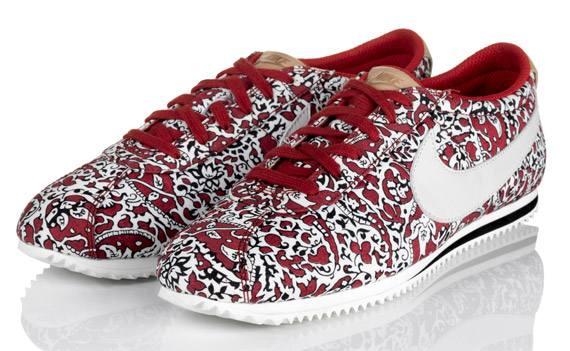 Nike Sportswear и Liberty на лето
