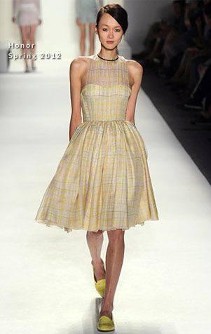 Ева Мендес в платье бренда Honor