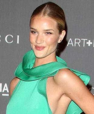 Рози Хантингтон-Уайтли в зеленом платье Gucci