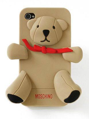 Сладкий чехол для iPhone от Moschino