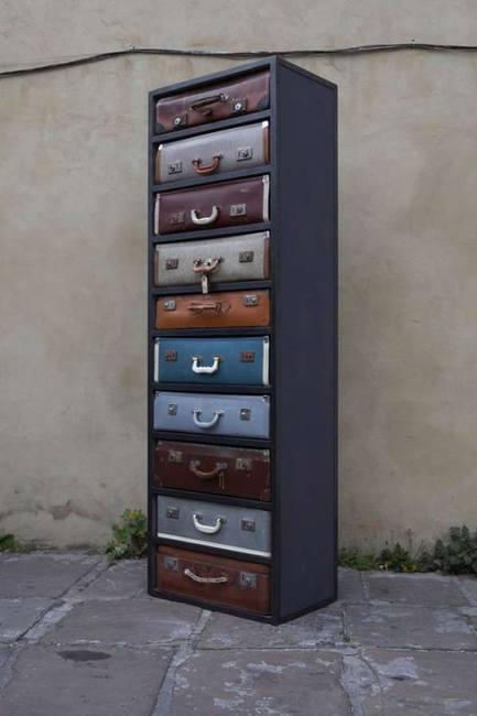 Оригинальная мебель - винтажный шкаф-чемодан