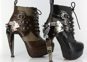 Hades, обувь — оружие