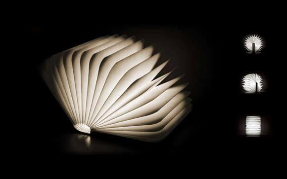 Декоративная настольная лампа в виде книги