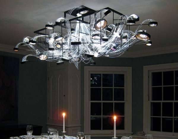 Оригинальный светильник для гостиной