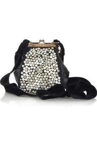 Дизайнерские сумки и жемчуг