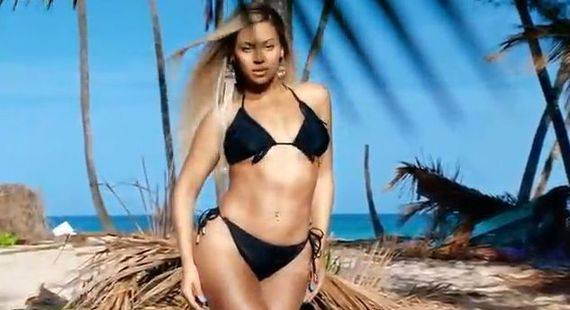 Бейонсе в купальнике H&M лета 2013 (Видео)