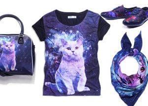 Футболки с космическими кошками в коллекции Cropp