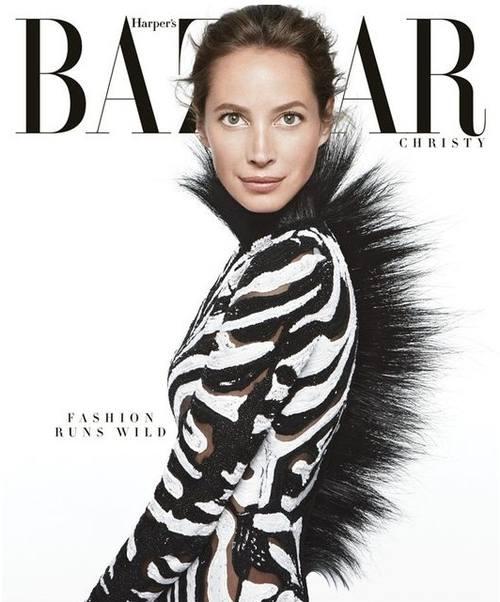 Кристи Терлингтон в роли зебры на обложке Harper`s Bazaar