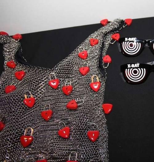 Платье с замками на день Святого Валентина