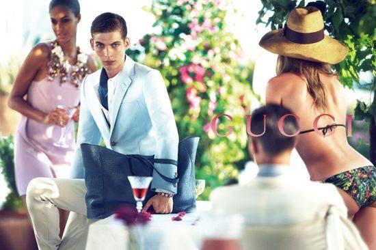 Две красивые обложки Vogue Китай