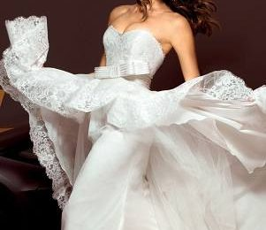 Ирина Шейк в свадебных платьях Alessandro Angelozzi