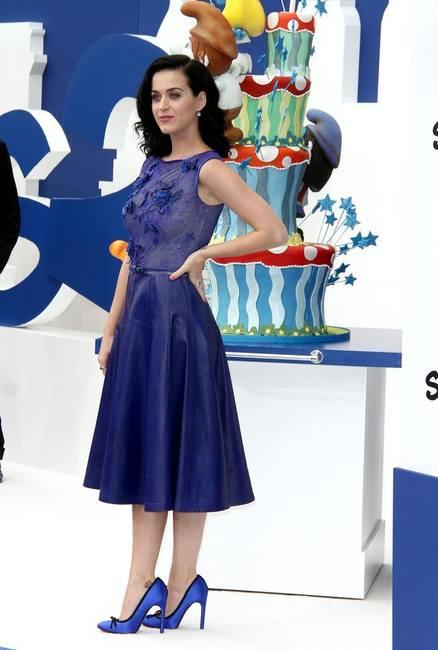 Кэти Перри в синем и на обложке Vogue