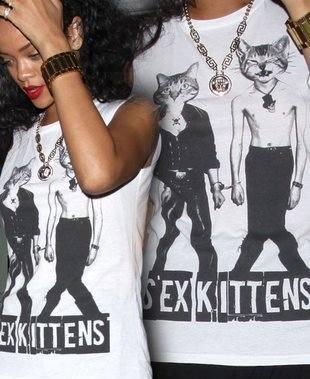 Сексуальные котята на футболке Рианны