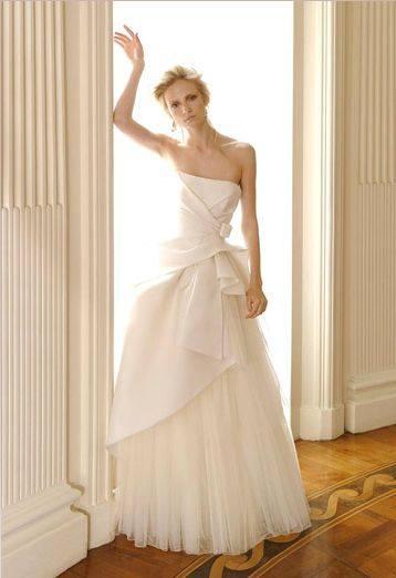 Вайнона Райдер в свадебном платье Alberta Feretti