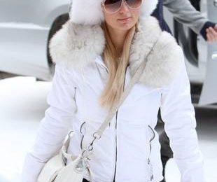 Пэрис Хилтон в зимней шапке
