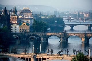 Прага может быть разной