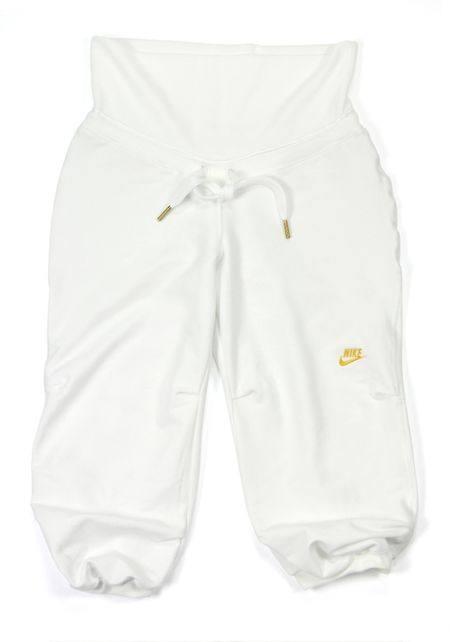 Женские спортивные куртки, штаны и топы Nike на весну