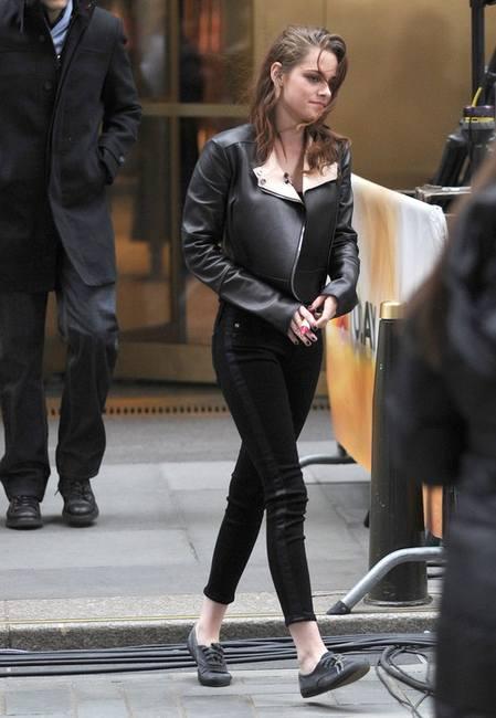 Кожаная куртка Кристен Стюарт против наряда Никки Рид