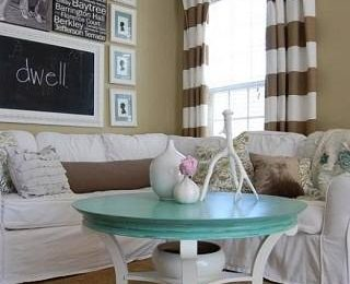 Полосатые шторы: фото в интерьере комнат