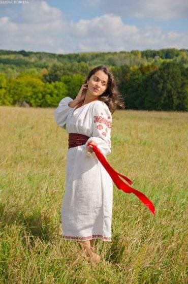 Вышиванки — основа традиционного костюма украинок