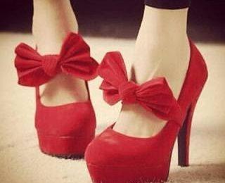 Стоит ли покупать обувь красного цвета?