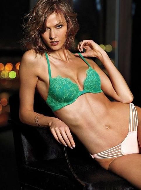 Карли Клосс в сексуальном белье Victoria's Secret