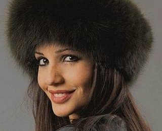 Меховая шапка — хит следующей зимы
