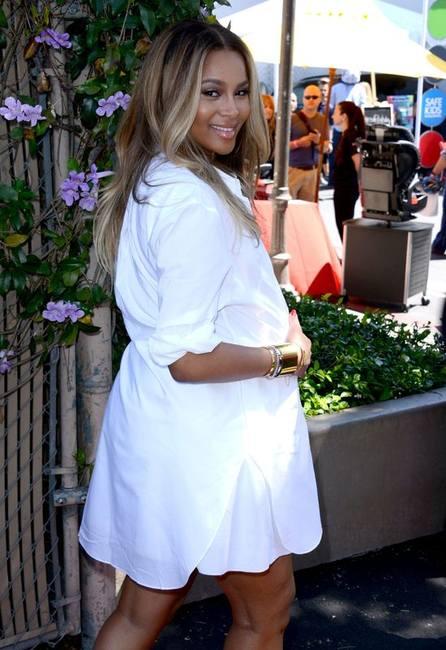 Беременные знаменитости на вечеринке в Лос-Анджелесе