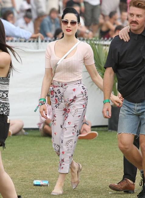 Ретро шик Диты фон Тиз на фестивале Coachella