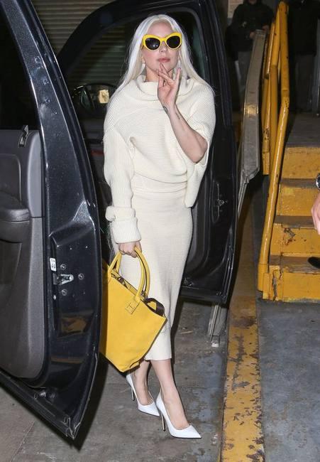 Леди Гага с волосами до колен